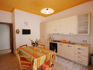 Lemon Apartment at 3 min from the beach!!!