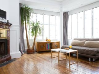 86. Beautifully Modern 1BR - Louvre - Tuileries, Paris