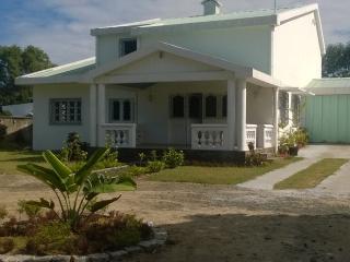 Villa meublée dans un quartier résidentiel