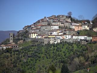 Vellano, Tuscany - beautiful hill town property, Pescia