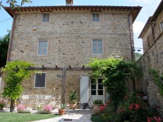 Dimora delle Camelie casa nel borgo vicino Lucca