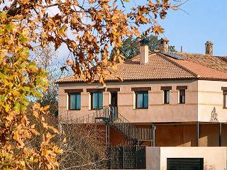 Spacious house in Ciudad Real province w/ air con, WiFi & splendid views of Cabañeros National Park, Navas de Estena