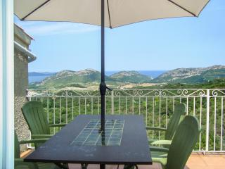 Stunning villa apartment in Barbaggio w/ BBQ terrace, kids' pool, WiFi, mountain- & sea views