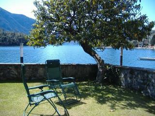 Lago Como-Ossuccio Appartamento direttamente sul lago