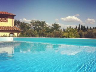 TuscanyHills50026