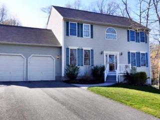 Beautiful Private road House in RI, Cranston