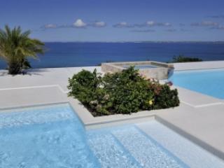 Charming 3 bdrm Villa with Amazing Views in Happy Bay, La Savane