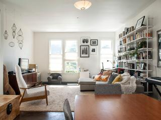 Sunny two-bedroom in San Francisco's Mission Dist