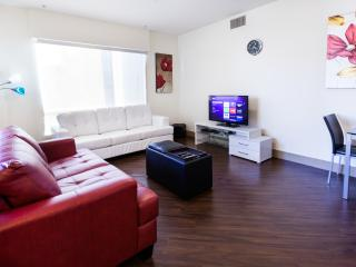 Heaven in Hollywood Boulevard 2 BR Apart Furnished, Los Ángeles