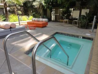 Heaven in Hollywood Boulevard 2 BR Apart Furnished