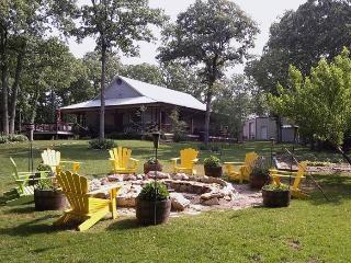 60 Miles North - Lake Texoma Country Retreat, Kingston