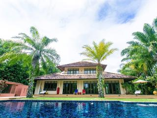 3+1 luxury villa with salt water pool & open view, Chiang Mai