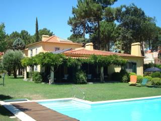 Spacious Luxury Villa, Pool, golf, peaceful., Azeitao