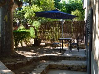 Nepita (40m2) rez de jardin & terrasse privative.Tout confort (2 personnes)