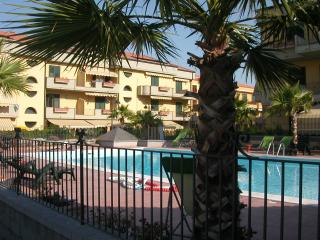 Etna Taormina holiday apartment with swimming pool, Fondachello
