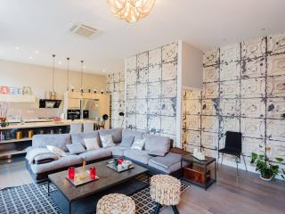 Splendid flat in historical center 1399 sq ft, Aix-en-Provence