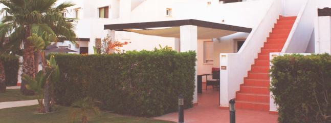 Fachada Apartamento y Jardín privado
