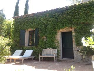 Well situated and smart country cottage for 2, Mouans-Sartoux