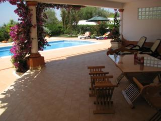Casa Mirama Poolside Apartment: Tropical Garden & Own Pool. Walk to Village