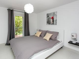 Apartments Villa Fontana - One Bedroom Apartment with Pool View (APT 1), Cavtat