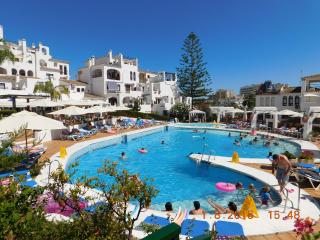 Lovely 2 Bedroom Apartment Pueblo Evita with 2 large terraces- Free Wifi, Benalmadena