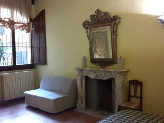 BRORGO PINTI, Florença