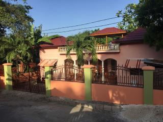 "Villa ""Rose of Sharon"", Negril"