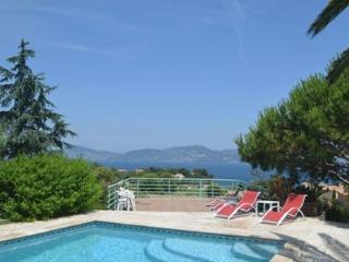 Villa avec piscine, vue mer imprenable, Giens