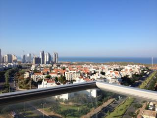 Luxury 2 Bed, 2 Bath Condo - Panoramic Ocean View, Netanya