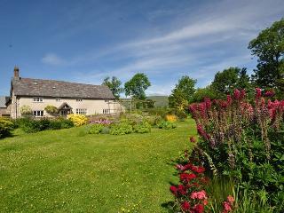 37033 House in Kington, Powys