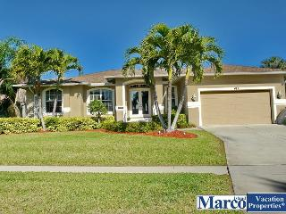 Peaceful house w/ heated pool, short walk to Tigertail Beach & restaurants, Marco Island