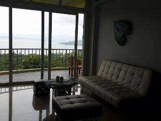 Luxury Apartment Deluxe Sunset Bay View Subic