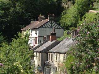 Cliff View Cottage to explore Derbyshire