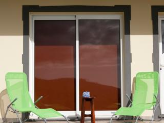 Casa Serramar - Apartamento com quintal