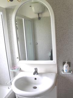 Il lavandino nel bagno