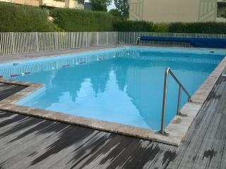 Comfortable all furnished 2BD Parking POOL/TENNIS