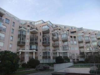 Au 1er etage d'une residence, appartement fonction