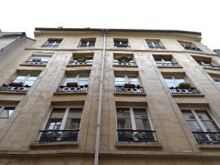 ***Le Marais cosy quiet in comfort for 5 people PARIS / BEAUBOURG