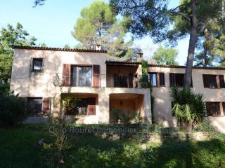 Jolie maison provençale entièrement rénovée, Le Rouret