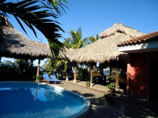 Casa Margarita Beachfront OceanView Home, Masachapa