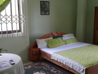 Innocent Guest House, Tema