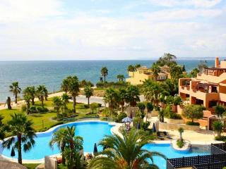 Luxury 3 bedroom apartment on Mar Azul Estepona