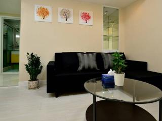 80% off! New 2BR TST Apartment.