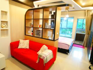 Luxury service Apt in center Taipei 5min to MRT