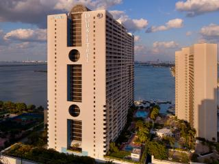 LUXURY 4BR at THE MIAMI BISCAYNE BAY, Miami
