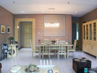 3 bedroom condo in Fort Bonifacio BGC0003