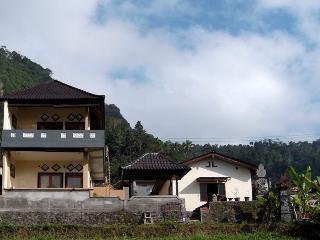 Bukit Luah-sidemen guestroom, Sidemen