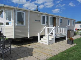 Hopton Holiday Park, 3 bedroom static holiday home