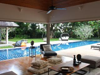 Luxury 4/5 bedroom villa with staff 24 meter pool, Phuket