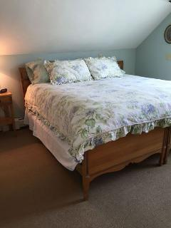 Bedroom #2 with 2 twins, shown here converted to a king bed - 45 Route 28 West Harwich Cape Cod New England Vacation...